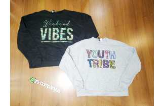 Hoodies and T-shirts with long sleeves